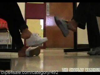 O melhor em ação descalça em clips4sale.com