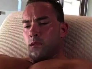 Musculação perna jerking off./
