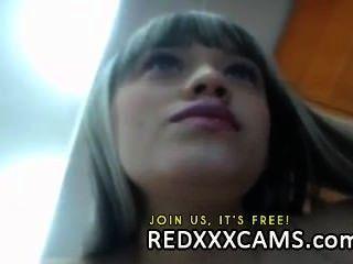 Adolescente quente fingering sua buceta suculenta mais jogo anal na webcam mostram ao vivo leake