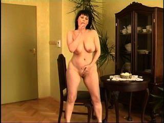 Secrets of horny mature 1 cena 4
