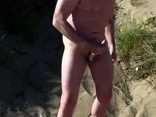 Exibicionista escocês na praia