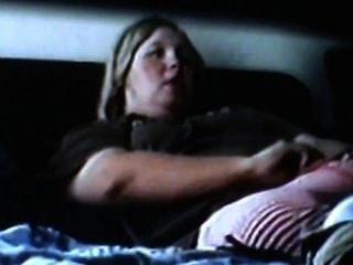 A mamã do bbw masturbates e tem orgasms intensos