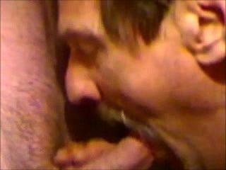 Mmm, eu amo chupar galos