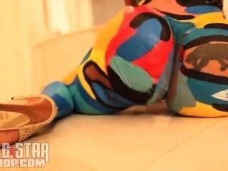 Cubana luxúria corpo pintura dançando para travis porter único ayy senhoras