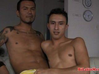 2 latinas gays sem graça