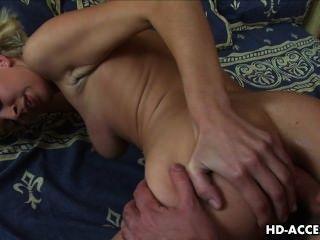 Sexy loura adolescente beatris anal