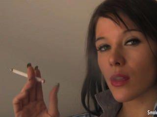 Outra senhora de fumar