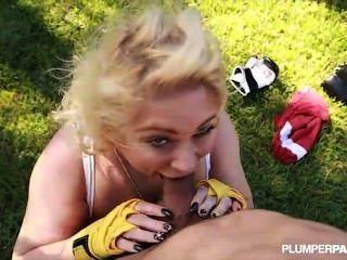 Rainha bbw samantha 38g bate fora professor de boxe com mamas
