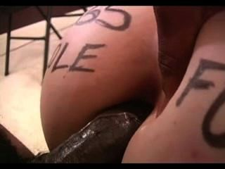 Amy chupa dick preto e fica anal