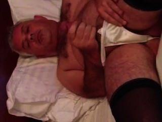 Blob masterbating em meias e calcinhas namoradas