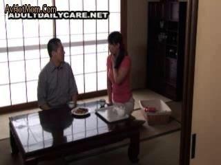 Japonês anal milf e um cara com um professor particular