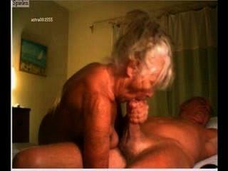 Massagem genital casal velho