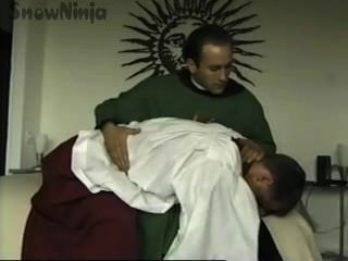Tj cummings homem de altar \u0026 roleplay do padre \u0026 palmada