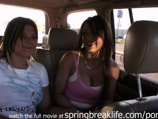 Meninas, piscando, tráfego