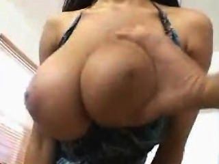 Grande tit fuck com natural boobs