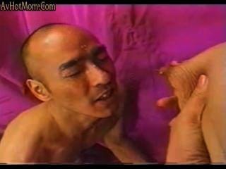 Japonês amador milf lactação e boquete cum