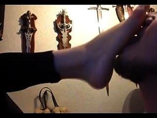 Amor gótico do pé da amiga