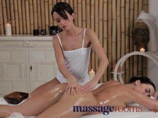 Salas de massagem empresa jovens partes menina gorda bunda e vibrador com massagista