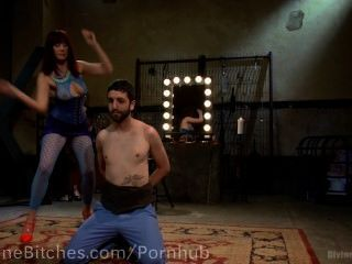 Pussyboy treinado para chupar galo