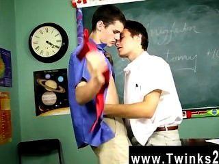 Sexo gay quente krys perez é um professor disciplinar neste incrivelmente