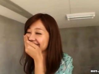Meninas japonesas seduzem a mãe jav em subway.avi