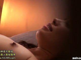 Meninas japonesas masturbated com a irmã sedutor em kitchen.avi
