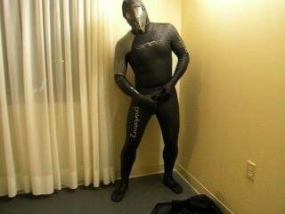 Completando a transformação como eu mudar em wetsuit predador orca