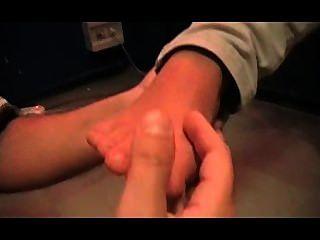 Quem tem os pés stinkiest?