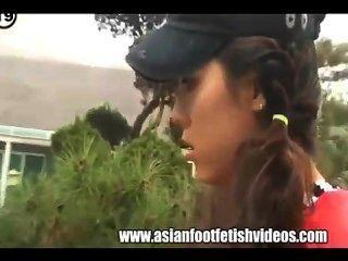 Adoração de pés asiáticos